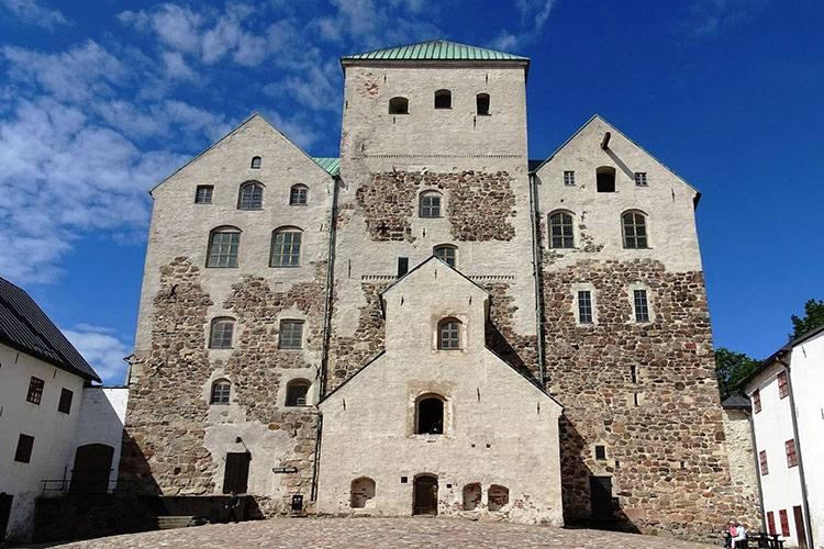 Turku zamek Finlandia ciekawostki zabytki atrakcje