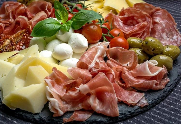 antipasti kuchnia włoska popularne potrawy ciekawostki