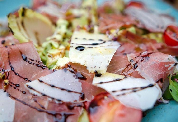 carpaccio kuchnia włoska popularne potrawy ciekawostki