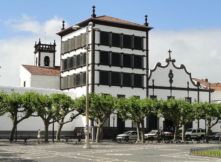 klasztor wrota Ponta Delgada ciekawostki Sao Miguel Azory atrakcje