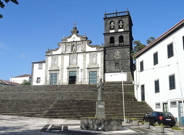 kościół Matki Boskiej Ribeira Grande Sao Miguel ciekawostki atrakcje Portugalia
