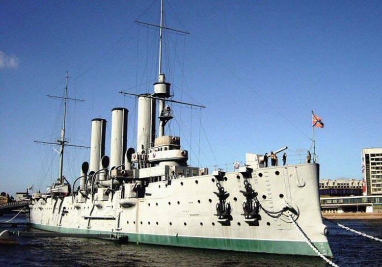 okręt Aurora Włodzimierz Iljicz Lenin ciekawostki życiorys