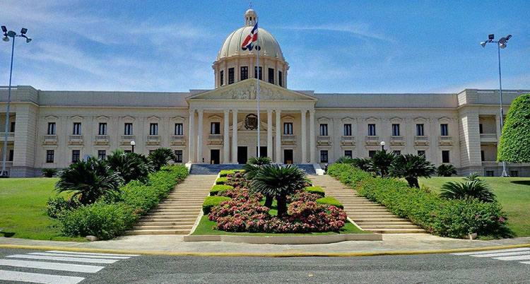 pałac prezydenta Santo Domingo ciekawostki Dominikana atrakcje stolica miasto