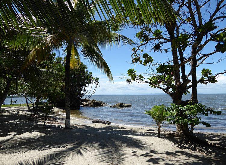 Sayaxche kamień plaża Gwatemala ciekawostki atrakcje Ameryka Środkowa