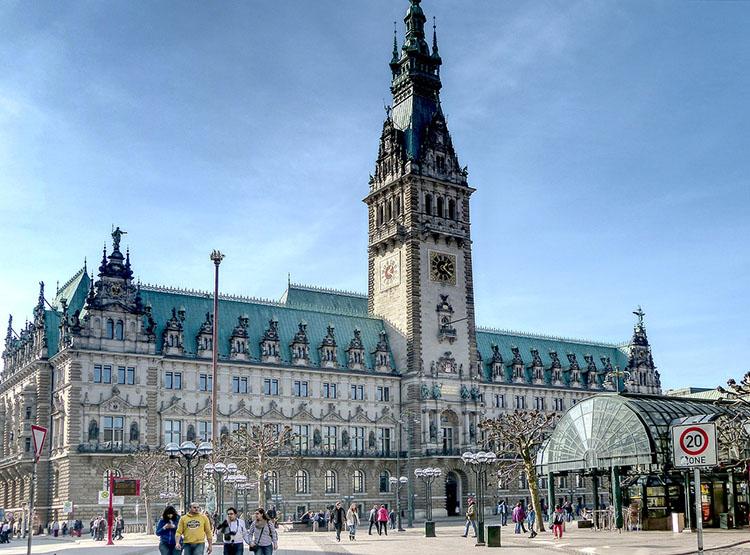 ratusz Hamburg ciekawostki atrakcje Niemcy