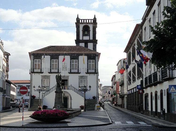 ratusz Ponta Delgada ciekawostki Sao Miguel Azory