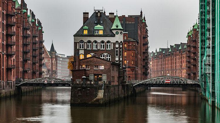Speicherstadt Hamburg ciekawostki atrakcje Niemcy