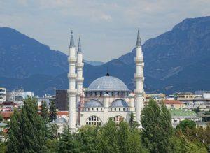 wielki meczet Tirana ciekawostki atrakcje Albania