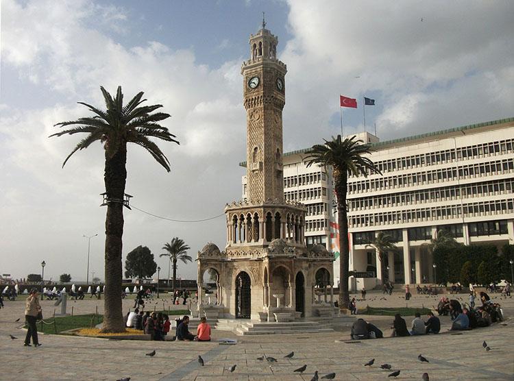wieża zegarowa Izmir ciekawostki Turcja atrakcje