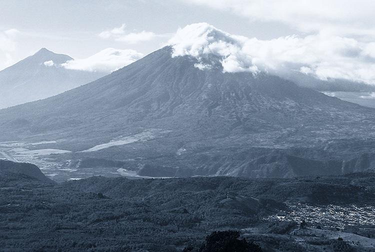 wulkan Gwatemala ciekawostki atrakcje Ameryka Środkowa