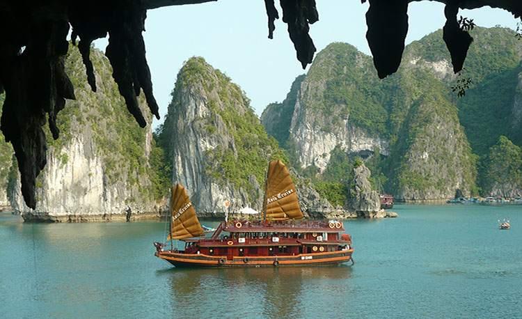 zatoka Halong Wietnam ciekawostki atrakcje zabytki