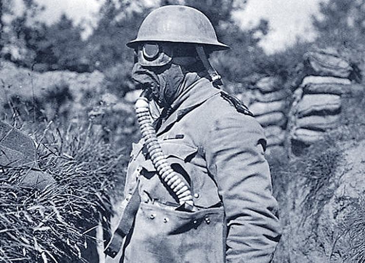 żołnierz maska przeciwgazowa respirator ciekawostki historia respiratory oddychanie działanie