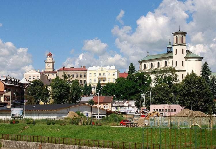 Gorlice ciekawostki ratusz rynek kościół miasto