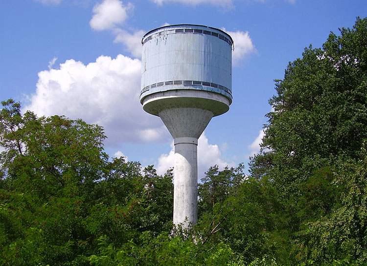 Nowa Dęba ciekawostki Wieża ciśnień Muzeum Bombki choinkowej