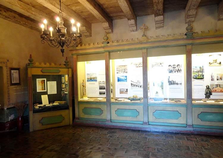 Old Mission Santa Barbara Kalifornia ciekawostki atrakcje