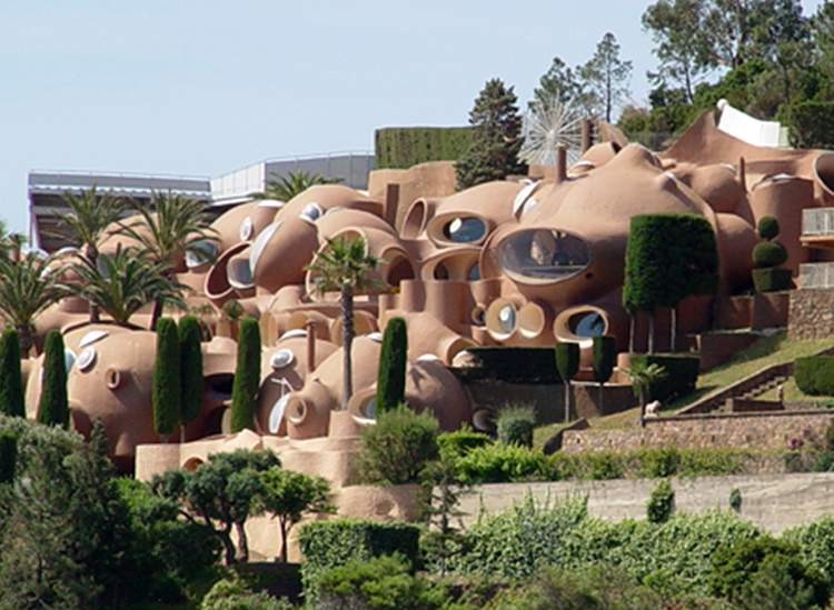 Palais Bulles Francja najdziwniejsze budowle świata ciekawostki budynki architektura