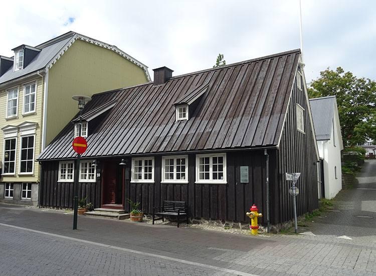 1762 zabytki dom Reykjavik atrakcje ciekawostki Islandia