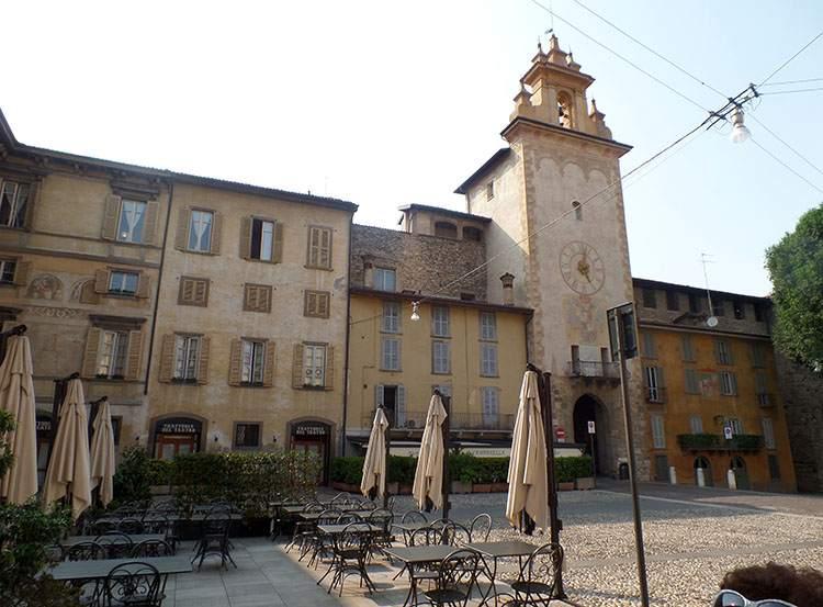 Torre della Cittadella Bergamo Lombardia Włochy ciekawostki atrakcje zabytki