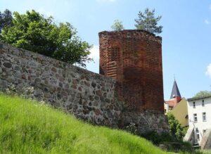 baszta mury zamek Sztum ciekawostki atrakcje zabytki