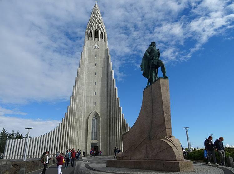 kościół Hallgrimskirkja Reykjavik atrakcje ciekawostki Islandia
