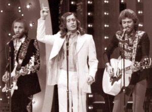 zespół Bee Gees ciekawostki Stayin Alive Gorączka sobotniej nocy