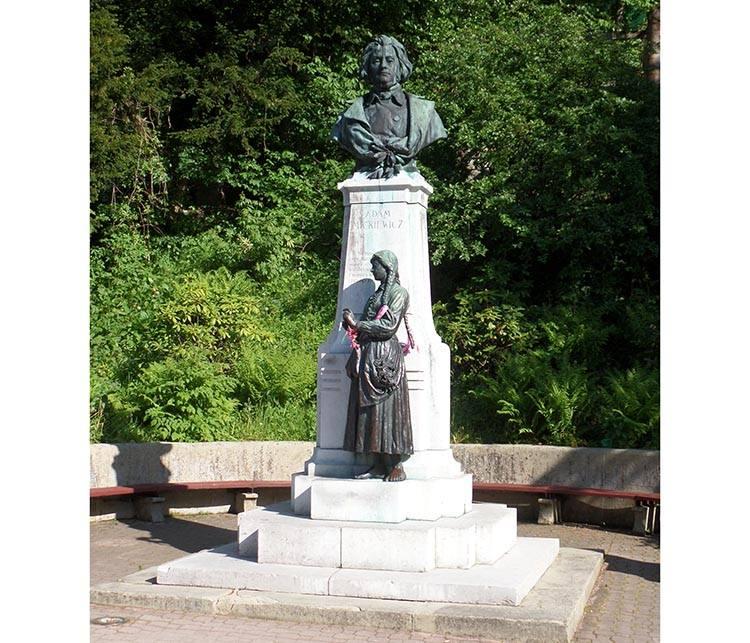 Adam Mickiewicz pomnik Krynica-Zdrój ciekawostki atrakcje