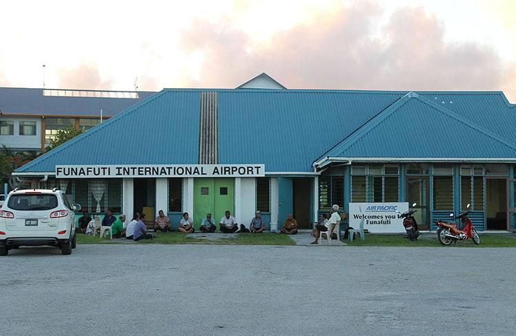 Funafuti lotnisko Tuvalu ciekawostki atrakcje