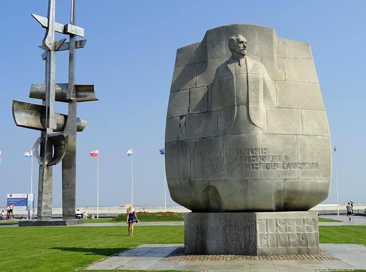 Joseph Conrad Żagle pomnik Gdynia ciekawostki atrakcje zabytki co zobaczyć Trójmiasto