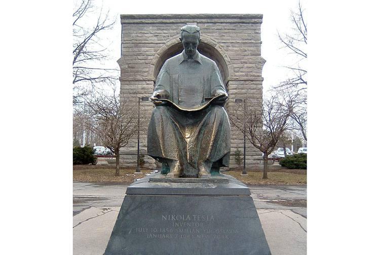 Niagara pomnik elektryczność Nikola Tesla ciekawostki biografia wynalazki
