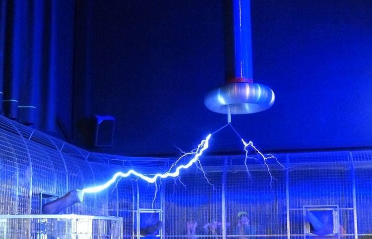 transformator Tesli Nikola Tesla ciekawostki biografia wynalazki
