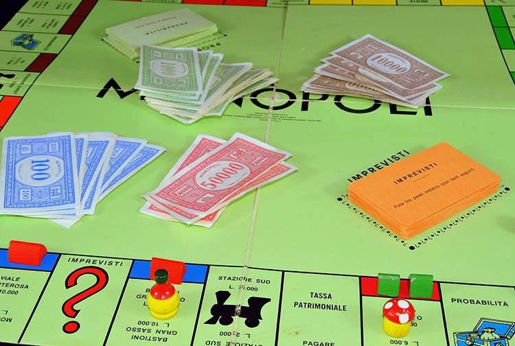 gra planszowa Monopoly zabawka zabawki ciekawostki historia dzieci gry zabawa