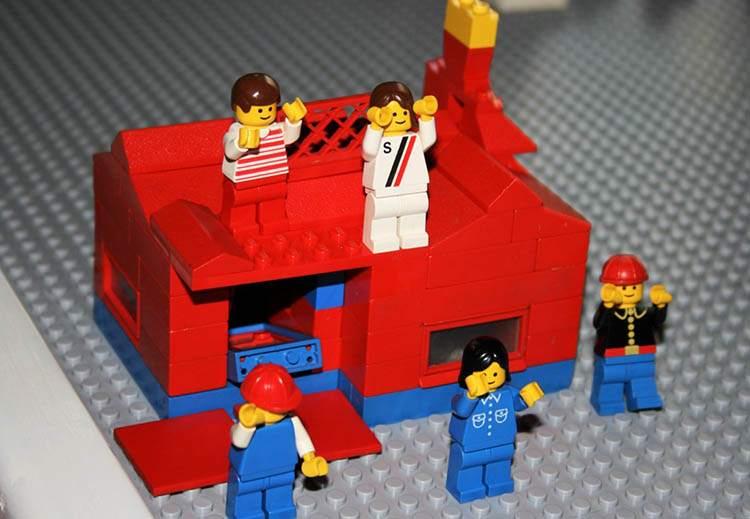 klocki LEGO zabawka zabawki ciekawostki historia dzieci gry zabawa