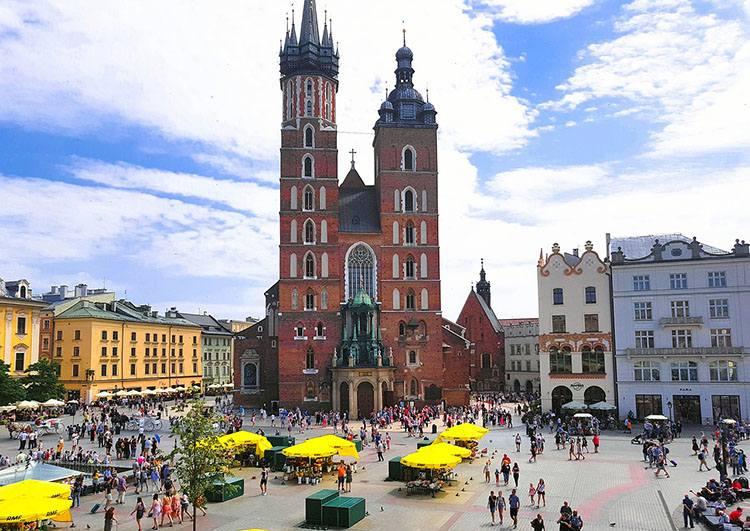 kościół mariacki hejnał Kraków ciekawostki krakowski rynek