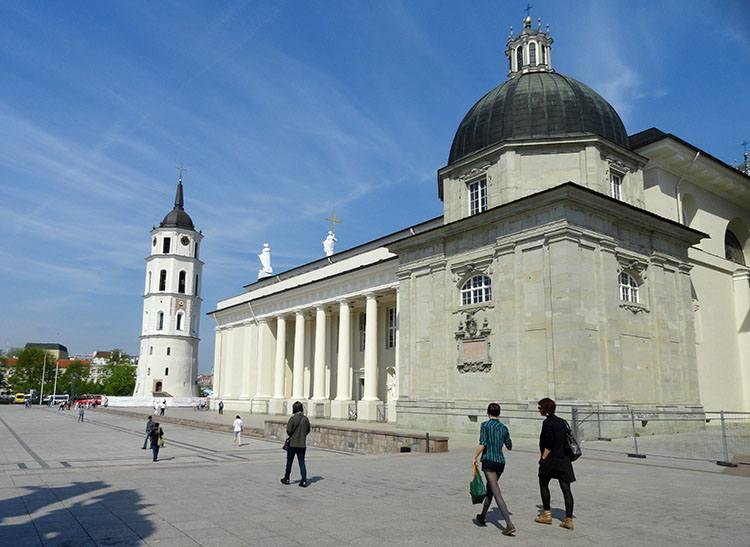 katedra plac katedralny Wilno ciekawostki atrakcje zabytki Litwa