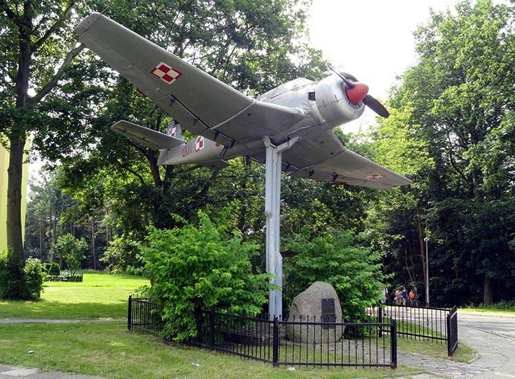 samolot Bies Babie Doły Gdynia ciekawostki atrakcje zabytki co zobaczyć Trójmiasto