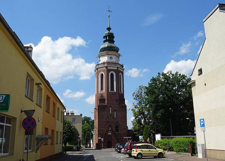 wieża dzwonnica kościół Syców ciekawostki atrakcje zabytki