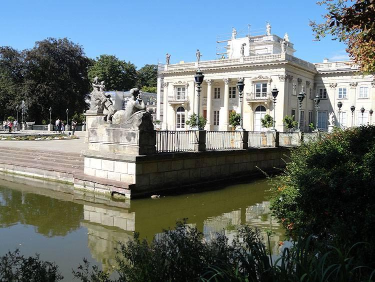 pałac Łazienki Królewskie Warszawa parki ciekawostki