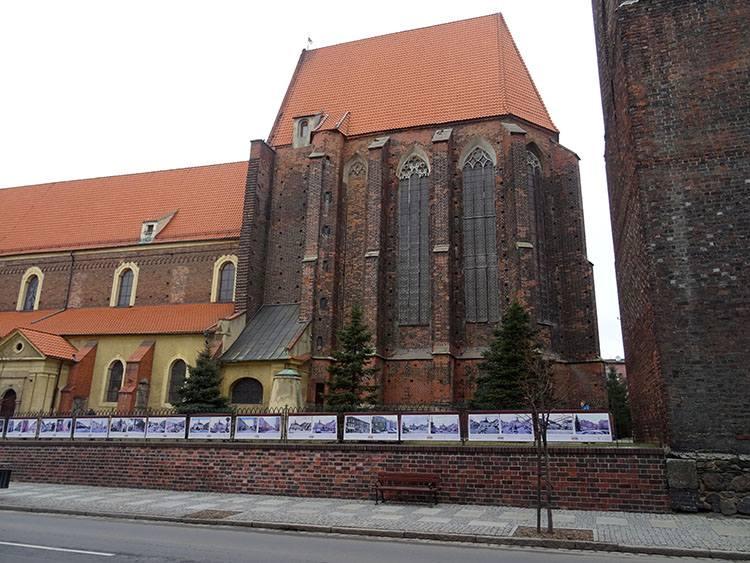 rycerz Roland pomnik kościół św. Andrzeja Środa Śląska ciekawostki atrakcje zabytki