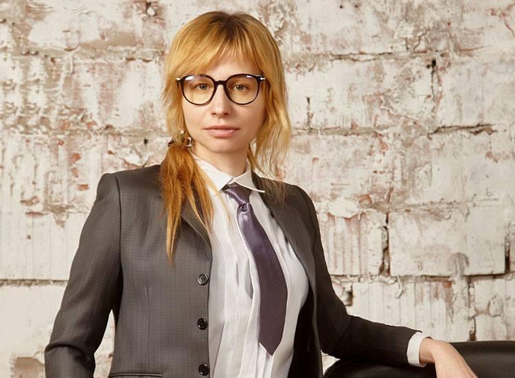 krawat historia krawaty ciekawostki kobiecy damski kobieta