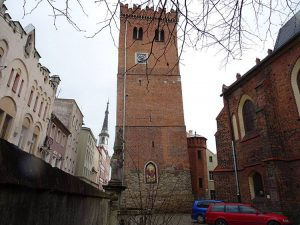 Krzywa Wieża Ząbkowice Śląskie Dolny Śląsk ciekawostki zabytki atrakcje