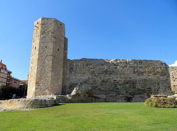 wieża Tarragona Katalonia ciekawostki atrakcje zabytki