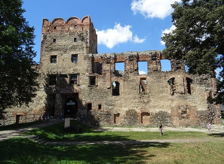 zamek ruiny Ząbkowice Śląskie ciekawostki atrakcje zabytki