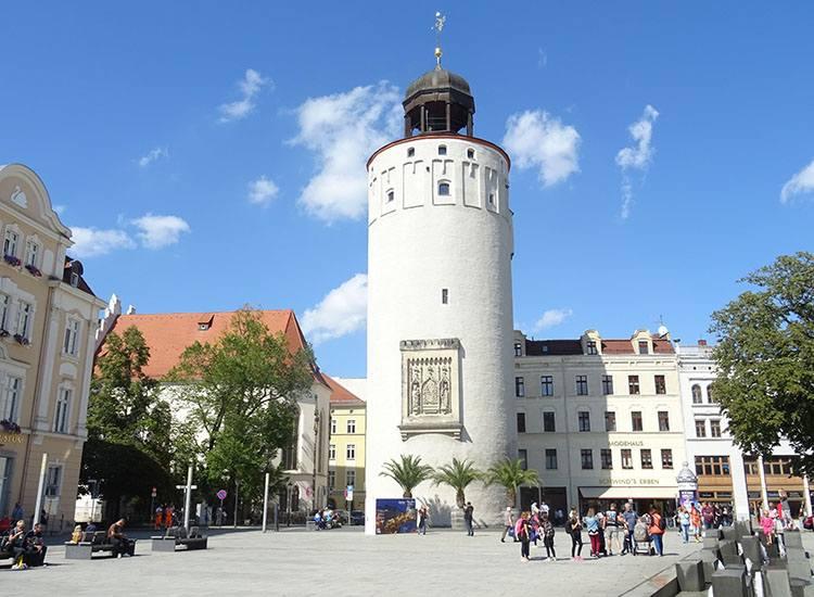 Frauenturm wieża miasto Gruba Wieża kobiet Frauenturm Goerlitz Niemcy ciekawostki zabytki atrakcje