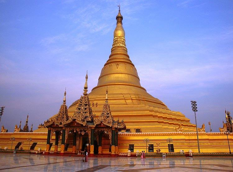 Uppatasanti pagoda Naypyidaw Mjanma Birma ciekawostki atrakcje