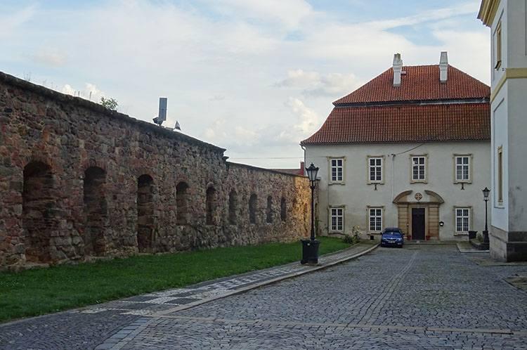 dekanat mury miejskie Jiczyn Czechy ciekawostki atrakcje zabytki