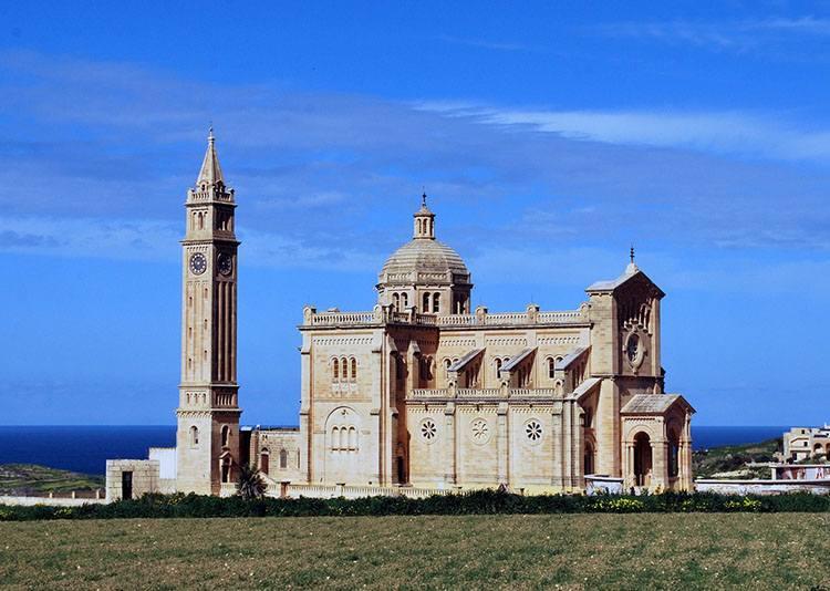 kościół wyspa Gozo Malta lotniska lotnisko