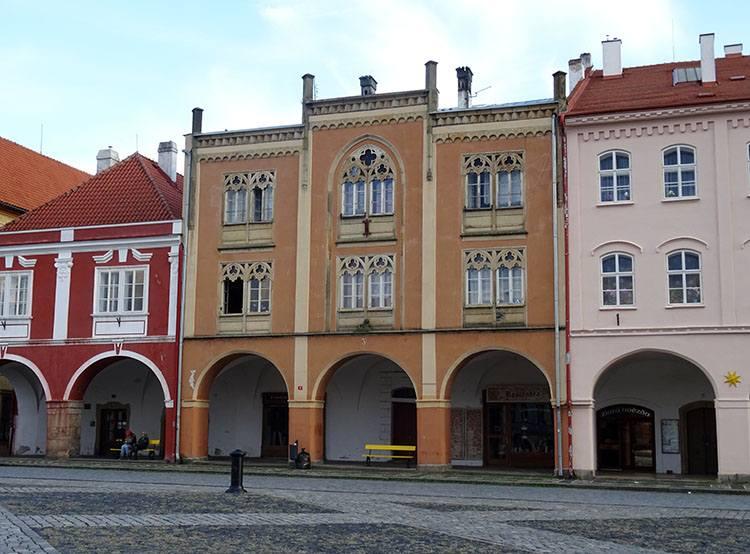 rynek kamienice Jiczyn Czechy ciekawostki atrakcje zabytki