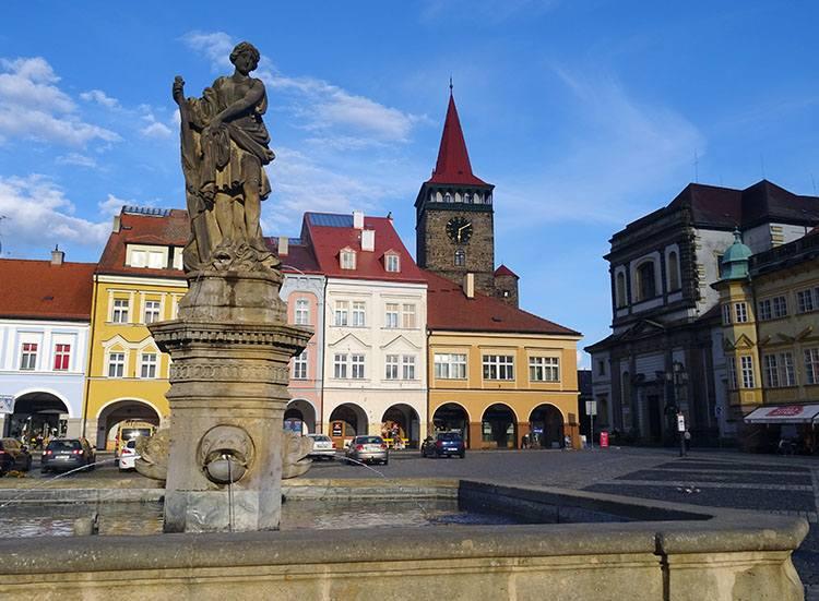 kolumna maryjna fontanna rynek Jiczyn Czechy ciekawostki atrakcje zabytki