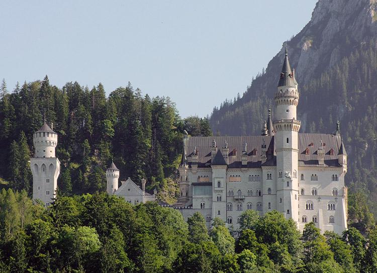 zamek Neuschwanstein Bawaria Niemcy ciekawostki informacje