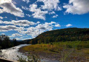Catskill Mountains Nowy Jork góry ciekawostki rzeka chmury niebo zieleń